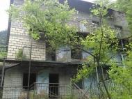 Гостиница в Саирме, Грузия. Гостиница на 20 номеров на берегу реки в Саирме,Грузия. Фото 2