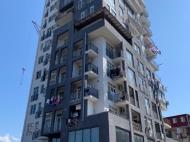 Квартиры в 13-этажном жилом доме на ул.Джавахишвили в центре Батуми, Грузия. Фото 1
