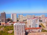 Продажа квартиры у моря в центре Батуми в престижном доме. Фото 1