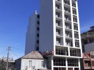 9-этажный дом в центре Батуми на ул.Багратиони, угол ул.Джавахишвили. Фото 1