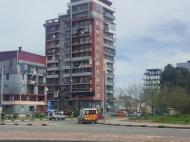 Дом на Новом бульваре в Батуми. Квартиры в новом жилом доме на Новом бульваре в Батуми, Грузия.  Фото 2