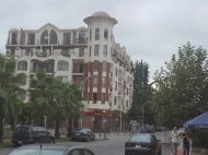 Новый дом у моря в Старом Батуми. Квартиры в новом доме на ул.Тавдадебули в Батуми, Грузия. Фото 2