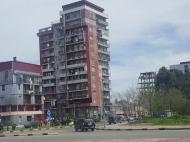 Дом на Новом бульваре в Батуми. Квартиры в новом жилом доме на Новом бульваре в Батуми, Грузия.  Фото 1