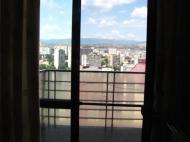 Арендовать квартиру в центре Тбилиси. Снять квартиру в новостройке Тбилиси. Вид на горы. Фото 16