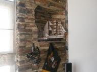 Купить квартиру в сданной новостройке с ремонтом и мебелью в центре Батуми Фото 13