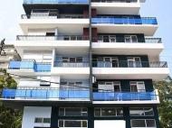 Новостройка у моря в центре Гонио. Квартиры в новом жилом доме у моря в центре Гонио, Грузия. Фото 1