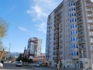 Новостройка Батуми, Грузия. Жилой дом в тихом районе Батуми на ул.Табидзе угол ул.Руруа. Фото 2