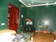 Для желающих купить недвижимость в Грузии. Квартира в центре Батуми с дорогим ремонтом Фото 3