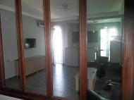 Квартира с ремонтом и мебелью в центре Батуми Фото 2