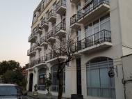 Новый жилой дом в старом Батуми. Квартиры в новом доме у моря на ул.Клдиашвили в центре Батуми, Грузия. Фото 1