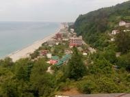 Гостиница на 22 номера с видом на море в центре Квариати, Аджария, Грузия. Фото 1