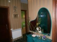 Купить квартиру в сданной новостройке с ремонтом и мебелью в центре Батуми Фото 5