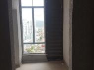 Купить квартиру в новостройке с видом на море и горы в Батуми, Грузия. Фото 1