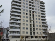 Квартиры в новостройке в тихом районе Батуми,Грузия. Жилой дом в тихом районе Батуми на ул.Д.Агмашенебели, угол ул.Табидзе. Фото 1