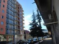 10-სართულიანი სახლი ქალაქ ბათუმის პრესტიჟულ რაიონში ფარნავაზ მეფისა და გრიბოედოვის ქუჩების კვეთა. ფოტო 1