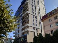 Апартаменты в элитной новостройке у моря в центре Батуми. 15-этажный элитный жилой комплекс у моря на ул.Горгиладзе, угол ул.Такаишвили в центре Батуми, Грузия. Фото 5