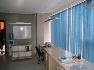 Продажа красивого офиса в старом Батуми. Купить офис с ремонтом и мебелью в сданной новостройке Батуми, Грузия. Фото 3