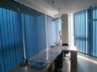 Продажа красивого офиса в старом Батуми. Купить офис с ремонтом и мебелью в сданной новостройке Батуми, Грузия. Фото 2