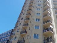 Новый жилой дом у моря в центре Батуми на ул.Чагмеикли, угол Ш. Химшиашвили. Новостройка у моря в центре Батуми, Грузия. Фото 3