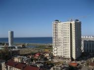 Продается квартира в сданной новостройке Батуми. Пересечение улиц Пиросмани и Джавахишвили. Фото 1