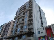 Элитная 15-этажная новостройка у моря на ул.Церетели, угол ул.Имедашвили в Батуми. Апартаменты в жилом комплексе у моря в центре Батуми, Грузия. Фото 1