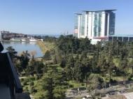 Апартаменты в элитном жилом комплексе у моря в центре Батуми. 10-этажный элитный жилой комплекс на ул.Клдиашвили, угол ул.Меликишвили в Батуми, Грузия. Фото 6