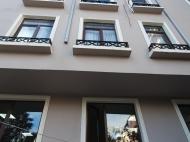 Апартаменты в элитном жилом комплексе у моря в центре Батуми. 10-этажный элитный жилой комплекс на ул.Клдиашвили, угол ул.Меликишвили в Батуми, Грузия. Фото 3