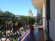 Аренда квартиры посуточно в центре Батуми Фото 1