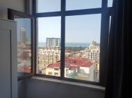 Квартира с современным ремонтом в новостройке Батуми,Грузия. Квартира с видом на море, город и горы в центре Батуми,Грузия. Фото 6