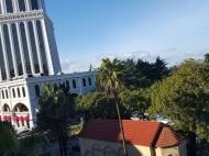 Мансардное помещение у моря в центре Батуми у отеля Шератон. Чердачное помещение в старом Батуми у отеля  Sheraton Batumi Hotel. Фото 3