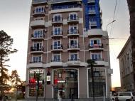 Жилой комплекс на берегу Черного моря в Кобулети. Апартаменты с видом на море в жилом комплексе у моря в центре Кобулети, Грузия. Фото 1