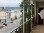 Квартира в Батуми с ремонтом и мебелью. Купить квартиру в Батуми с видом на город и горы. Фото 1
